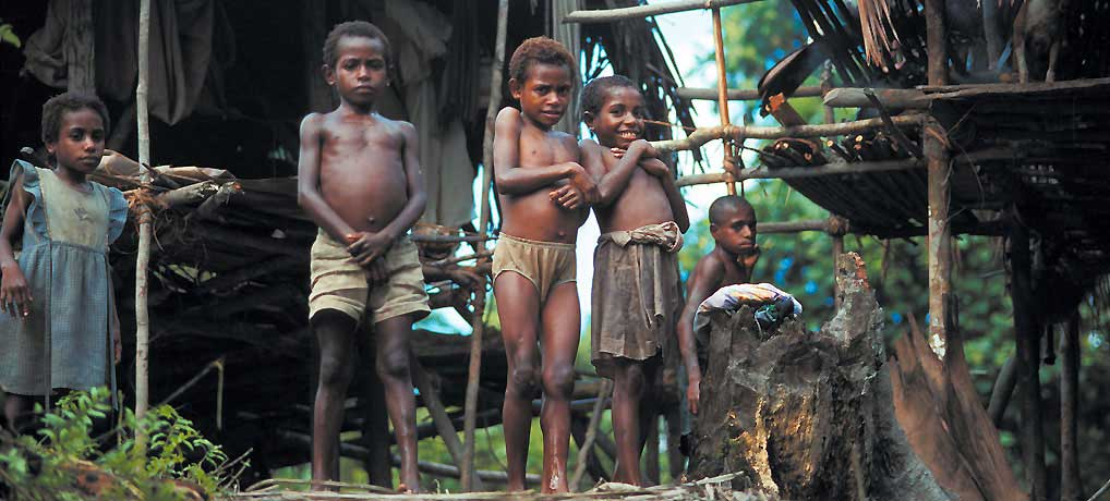 Indonesia, Mamberamo valley – native children